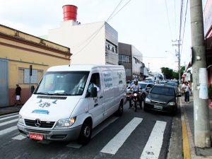 Familiares e taxistas homenagearam Graciano Agapito dos Santos com carreata desde a Funerária Saltense