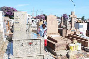 Funerária Saltense oferece serviço exclusivo de limpeza de túmulos dos dois cemitérios, para famílias interessadas